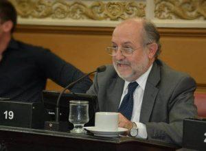 García Elorrio propone «democratizar» el régimen de obras y compras públicas