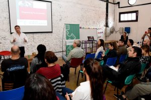 Un treintena de iniciativas jóvenes e innovadoras crecen en el Club del Emprededor