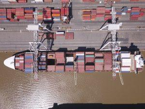 La fuerte baja de los costos logísticos en el Puerto BA potencian el comercio internacional