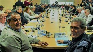 La cúpula de la CGT negocia con el Gobierno extender el plan antidespidos