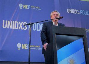«Vamos a hacerlo otra vez», dijo Fernández en su primer spot de campaña