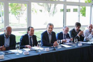 El Gobierno se reunirá con los embajadores para explicarles las medidas económicas