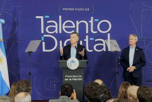 El Gobierno promueve el  acceso a un primer empleo digital