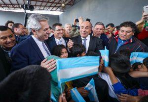 Al pedir el apoyo de los argentinos, Fernández afirmó que hay que «dar vuelta una página y entre todos salir adelante»