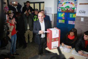 Fuerte cruce entre Alperovich y Manzur por  clientelismo a cambio de votos