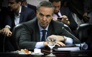 Tras las críticas peronistas, Pichetto renunció a su cargo en el Consejo de la Magistratura