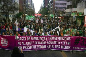 Multitudinaria marcha «Ni Una Menos» en Córdoba