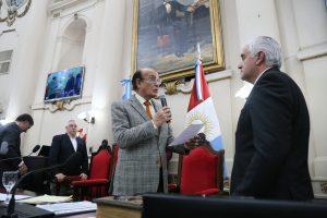 Decara se defendió de las críticas opositoras y le apuntó a García Elorrio