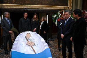 En el Congreso, Macri despidió al ex presidente De la Rúa