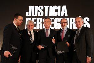 Atentado a la AMIA: «Fue un golpe a todos y a cada uno de los argentinos», digo Macri