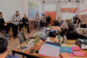 Mestre visitó a los incubados en el Club de Emprendedores que crece en el Abasto