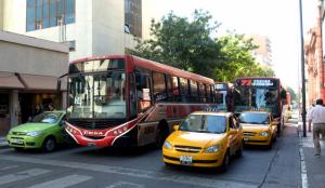 Concejales aprobaron un nuevo aumento (20%) a las tarifas de taxis y remis