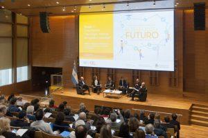 Expertos dialogaron sobre los desafíos y oportunidades del trabajo del futuro
