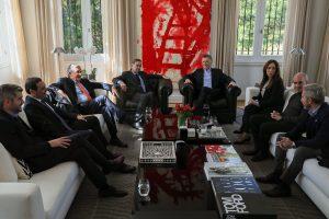 Macri se reunió con gobernadores radicales y recibió el respaldo de los diputados de la coalición oficialista
