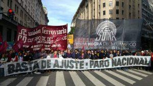El sindicalismo combativo llamó a movilizarse el jueves en contra «del golpe de mercado de Macri y los Fernández»