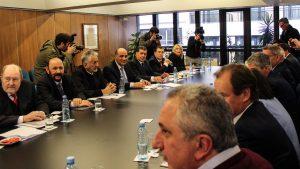 Gobernadores demandaron dar marcha atrás con las medidas que adoptó Macri