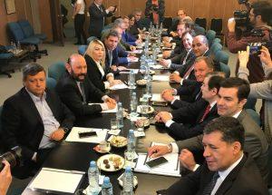 Gobernadores evalúan ir a la Justicia contra las nuevas medidas de Macri
