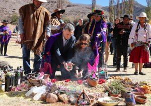 """Macri pidió a la Pachamama por una Argentina «en paz, en armonía y con trabajo para todos"""""""