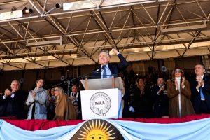 Desde tribuna ruralista, Macri pidió profundizar «esta transformación» y no volver al pasado