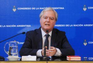 Pinedo afirmó que el país «no está en default»