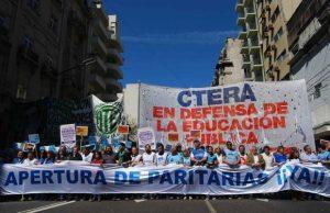 Ante los hechos de violencia contra los docentes de Chubut, la Ctera llamó a un paro nacional