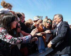 Al subirse a la campaña, Macri fogoneó la «grieta» y reafirmó su versión de la crisis económica