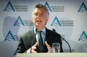 Un día antes de su visita a Córdoba, Macri defendió el control de cambios en un contexto de «emergencia»