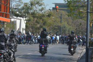 Nueve detenidos y seis heridos, fue el saldo de una violenta manifestación en EPEC