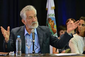 Rodríguez Saá anunció medidas para mitigar los  «duros efectos» de la crisis económica