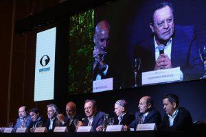 Santos y Bergman en la apertura de la Cumbre Argentina de Turismo y Naturaleza