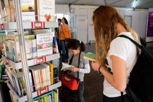 Debate sobre el proyecto del Instituto Nacional del Libro Argentino en la Feria del Libro