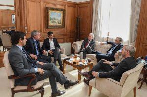El Gobierno suspendió el envío del proyecto de «reperfilamiento» de la deuda y la visita de Lacunza al Congreso