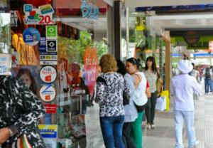 Las ventas minoristas cayeron 18,6% en agosto