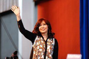 Cristina defendió a Alberto F. por las críticas al «dedito acusador» y cargó contra Macri