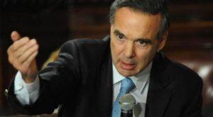 Al apuntar contra el presidenciable K, Pichetto afirmó que es «una pavada» enviar tropas a Venezuela
