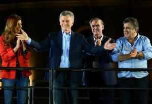"""En el cierre de campaña, Macri endureció discurso anti K: """"No caigamos en escuchar a los que destruyeron la Argentina"""""""