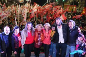 EL FIT Unidad de CBA cierra su campaña con un acto frente el consulado de Chile