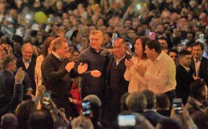 En la previa del cierre en CBA, Macri encabeza marcha en Mar del Plata junto a Vidal