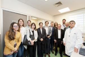 Medicina de precisión: se presentó plataforma de secuenciación masiva del genoma