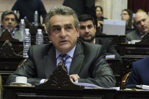 Miradas antagónicas: Negri y Agustín Rossi hablaron del «dedito acusador» de Alberto F.