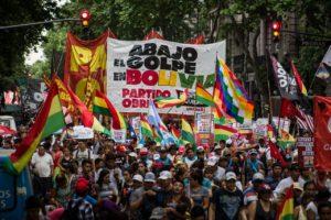 Acto de la Izquierda frente a la Embajada de EEUU contra «el Golpe en Bolivia»