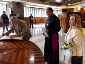 Alberto F. visitó la Basílica de la Sagrada Virgen de Guadalupe en la previa de la cumbre con López Obrador