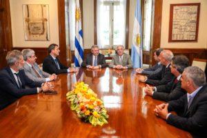 Desde Uruguay, Alberto F. aseveró que «las democracias en crisis se resuelven con más democracia»