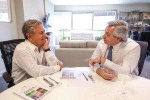 Tras su encuentro con Duhalde, Alberto F. se reúne con Ricardo Alfonsín