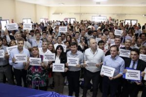 Tras fustigar la política económica de Macri, Arroyo afirmó que «en Argentina no puede haber hambre»