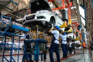 La producción automotriz cayó 17,7% interanual