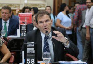 El radical Bee Sellares advirtió que el presupuesto 2020 «viene con carga impositiva récord»