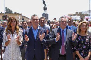 Gestos de una convivencia democrática entre Macri y Alberto F. en la Misa por la Patria