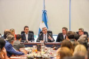 Primera reunión del bloque de diputados del Frente de Todos con la presencia de Alberto F.