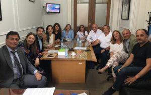 En su dura crítica, diputados massistas acusaron a Juntos por el Cambio de impulsar que «la provincia entre en default»